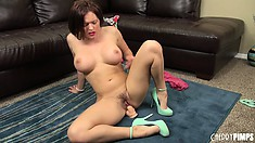 Krissy Lynn goes nuts with her pussy during a sexy solo show