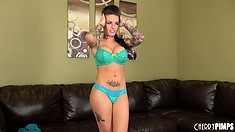 Piquant klooch Christy Mack prepares to sends her beaver to heaven